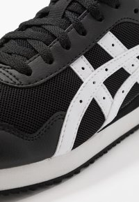 ASICS SportStyle - TIGER RUNNER UNISEX - Trainers - black/white - 5