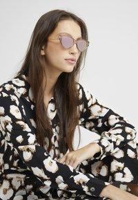 Le Specs - EUREKA - Sunglasses - stone - 1
