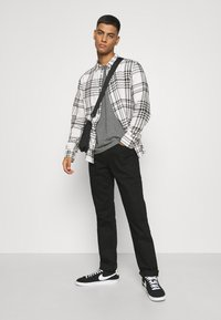 Only & Sons - ONSNATE LIFE CHECK SHIRT - Shirt - star white - 1