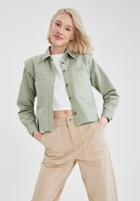 DeFacto - Button-down blouse - green - 0
