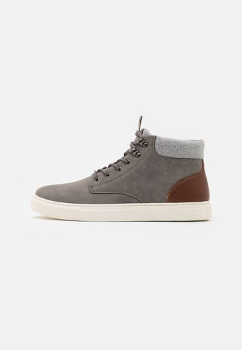 High-top trainers - grey/brown