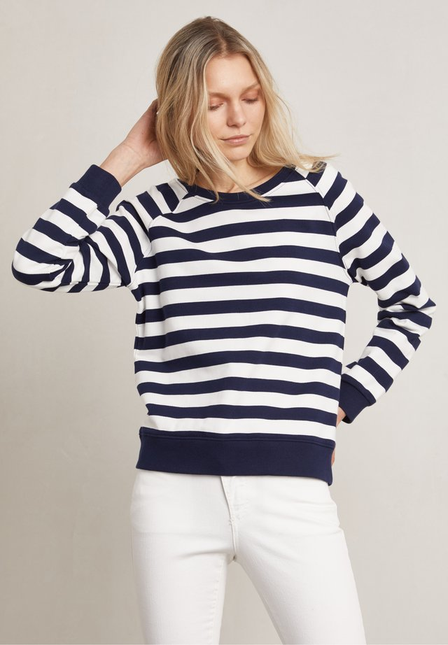 Sweater - white / blue
