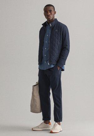 PLUS QUILTED WINDCHEATER - Lehká bunda - evening blue