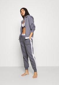 Calvin Klein Underwear - MODERN LOUNGE - Pyjamahousut/-shortsit - pewter - 1