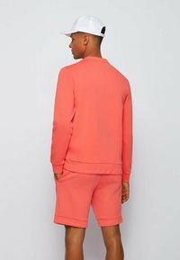 BOSS - SALBO - Sweatshirt - open red - 2