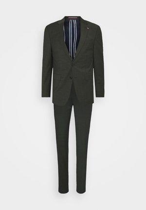 SLIM FIT SUIT - Suit - green