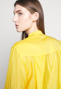 Vanessa Bruno - LIDIANE - Button-down blouse - citrus - 6