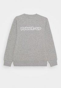 Levi's® - POWER UP CREWNECK  - Sweater - grey heather - 1