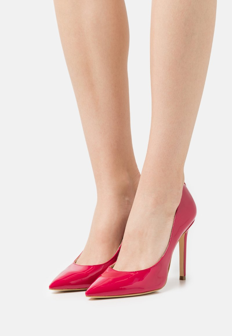 Guess - Classic heels - cherokee
