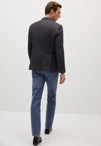 Mango - AUS WOLLE-BAUMWOLL-MIX - Blazer jacket - grau - 2