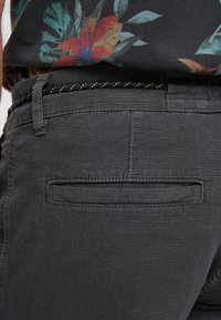 Q/S designed by - Shorts - dark grey - 5