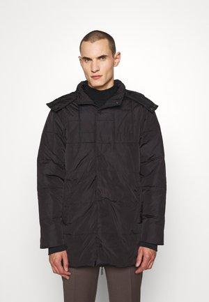 LUCKY FREDDY - Down coat - black