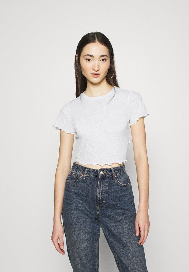 BABYLOCK CROP - T-shirts - offwhite