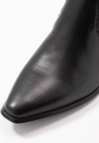 Vagabond - Bottines - black - 2