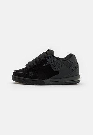 SABRE - Skate shoes - black/phantom split