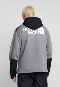 The North Face - GRAPHIC HOOD - Hoodie - medium grey heather - 2