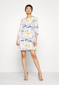 ONLY - ONLSANDRA SHORT DRESS - Denní šaty - cloud dancer - 1