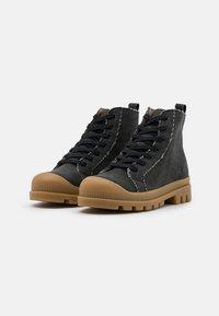 NAE Vegan Shoes - NOAH VEGAN - Nauhalliset nilkkurit - black - 2