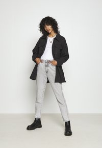 Weekday - ARIES REC BLEND OVERSHIRT - Button-down blouse - antracite grey - 1