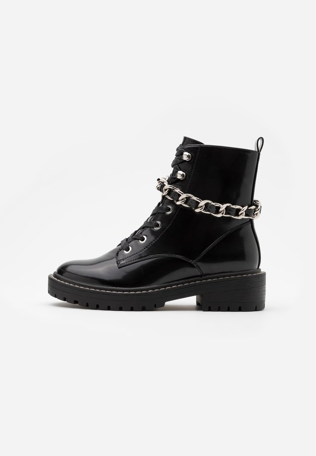 ONLBOLD CHAIN LACE UP BOOT  - Cowboy- / bikerstøvlette - black