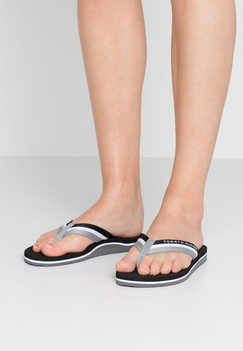 Tommy Hilfiger - LOVES BEACH - Flip Flops - black