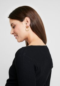 Anna Field MAMA - Stickad tröja - black - 3