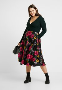 CAPSULE by Simply Be - PRINTED PROM SKIRT - A-line skirt - black/pink - 1