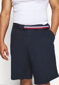 Tommy Hilfiger - BROOKLYN - Shorts - blue - 4