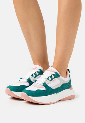 MONSTER - Sneakers laag - verde/suprima blanco/coral