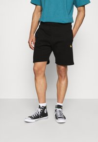 Carhartt WIP - CHASE  - Shorts - black/gold - 0