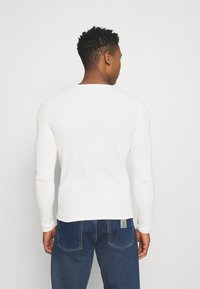 Only & Sons - ONSLEXON LIFE STRUCTURE CREW NECK - Neule - star white - 2