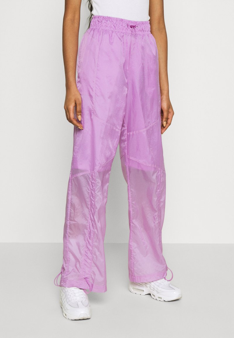 Nike Sportswear - STREET PANT - Pantalones - violet shock/white
