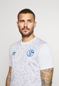 Umbro - FC SCHALKE 04 WARM UP - Squadra - brilliant white/zen blue - 3