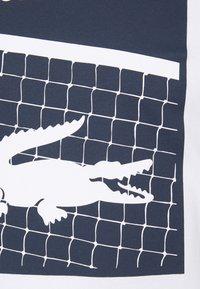 Lacoste Sport - GRAPHIC - T-shirt con stampa - white - 7