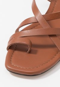 J.CREW - TOE STRAPPY LUCY  - Tongs - warm sepia - 2