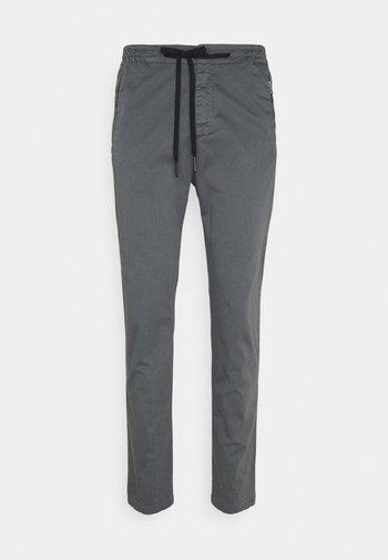 PANTS - Pantalon classique - grey