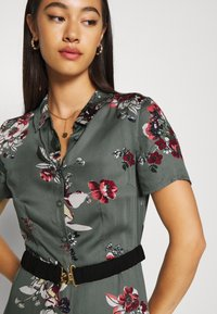 Vero Moda - VMLOVELY ANCLE DRESS - Maxi dress - laurel wreath - 4
