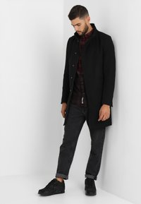 Only & Sons - ONSOSCAR COAT - Classic coat - black - 1
