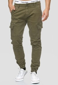 INDICODE JEANS - AUGUST - Cargohose - army - 0