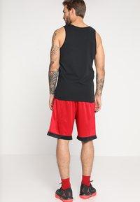 Jordan - FRANCHISE SHORT - Korte sportsbukser - gym red/black - 2