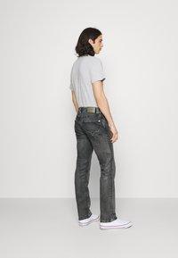 Pepe Jeans - KINGSTON ZIP - Jeans straight leg - black denim - 2