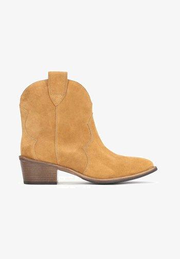 VIOLA - Cowboy/biker ankle boot - ginger