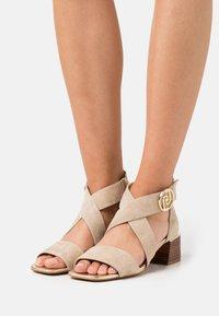 Liu Jo Jeans - PALMA - Sandals - camel/light gold - 0