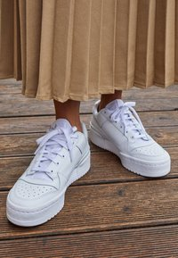 adidas Originals - FORUM BOLD - Sneakers - footwear white/core black - 2