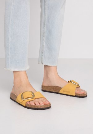 MADRID BIG BUCKLE - Pantuflas - ochre