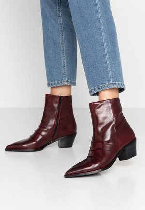 Classic ankle boots - glove sangria