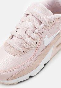 Nike Sportswear - AIR MAX 90  - Tenisky - barely rose/white/black - 5