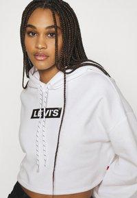 Levi's® - GRAPHIC CROP PRISM - Sweatshirt - youth new boxtab white - 3