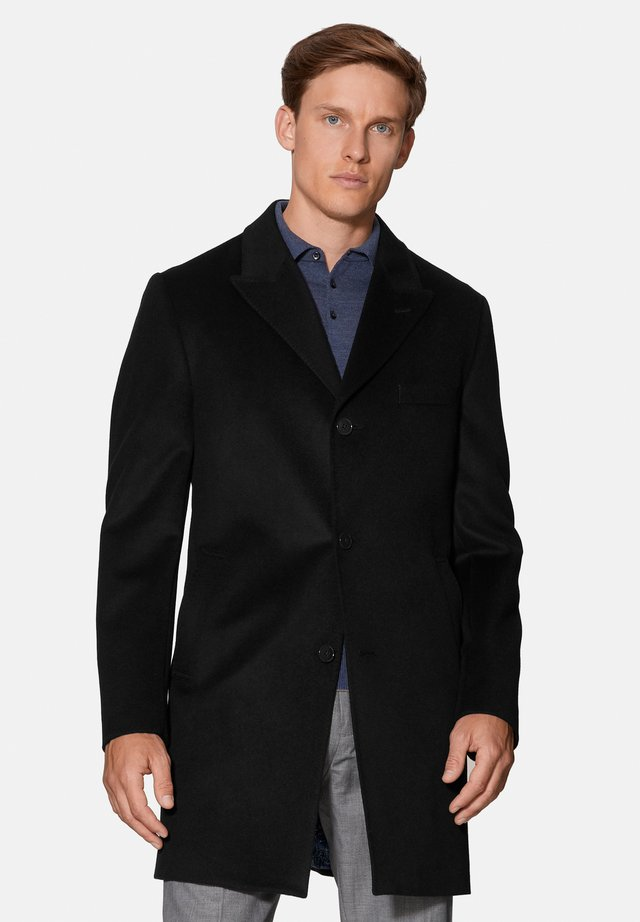 CHAMBERLAIN - Short coat - black