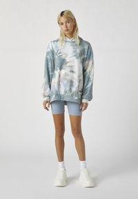 PULL&BEAR - Bluza z kapturem - grey - 1